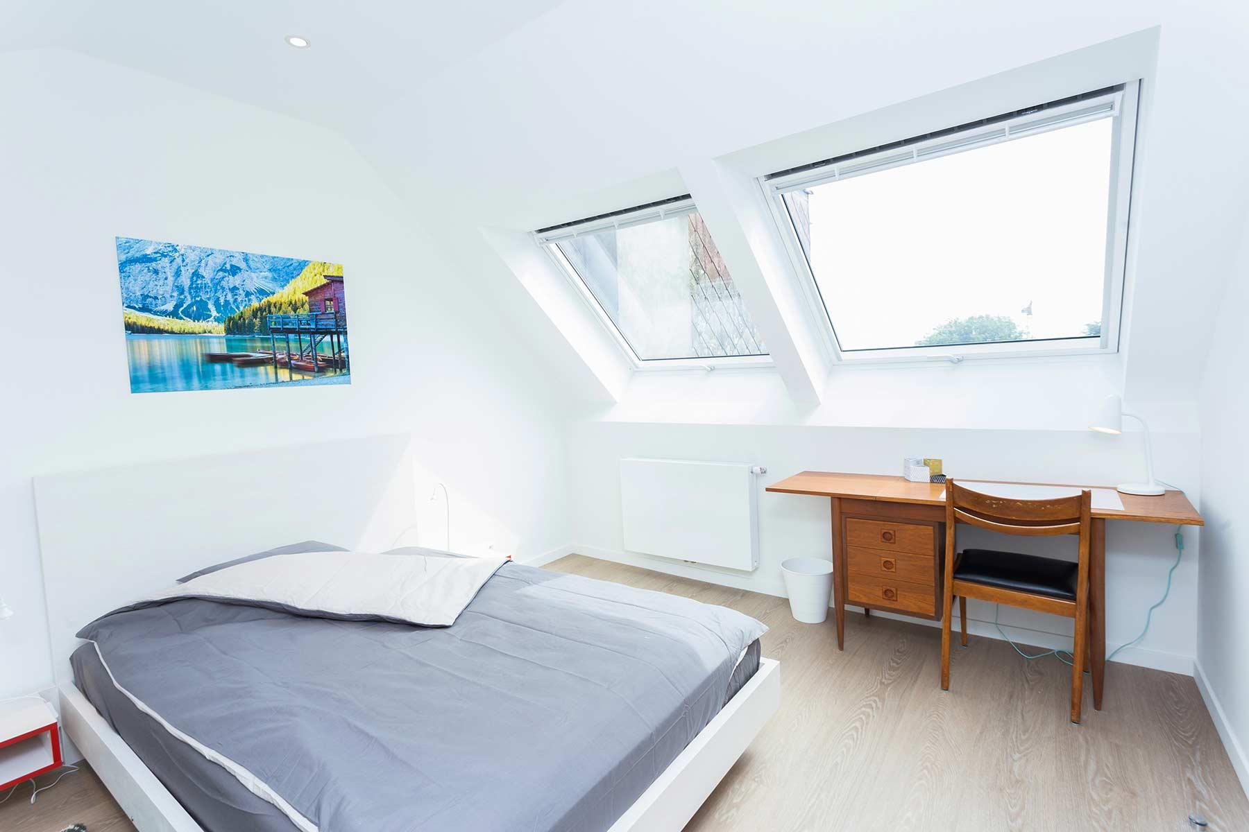 bureau chambre meublée 1 personne 3eme étage maison Roomy Bruxelles